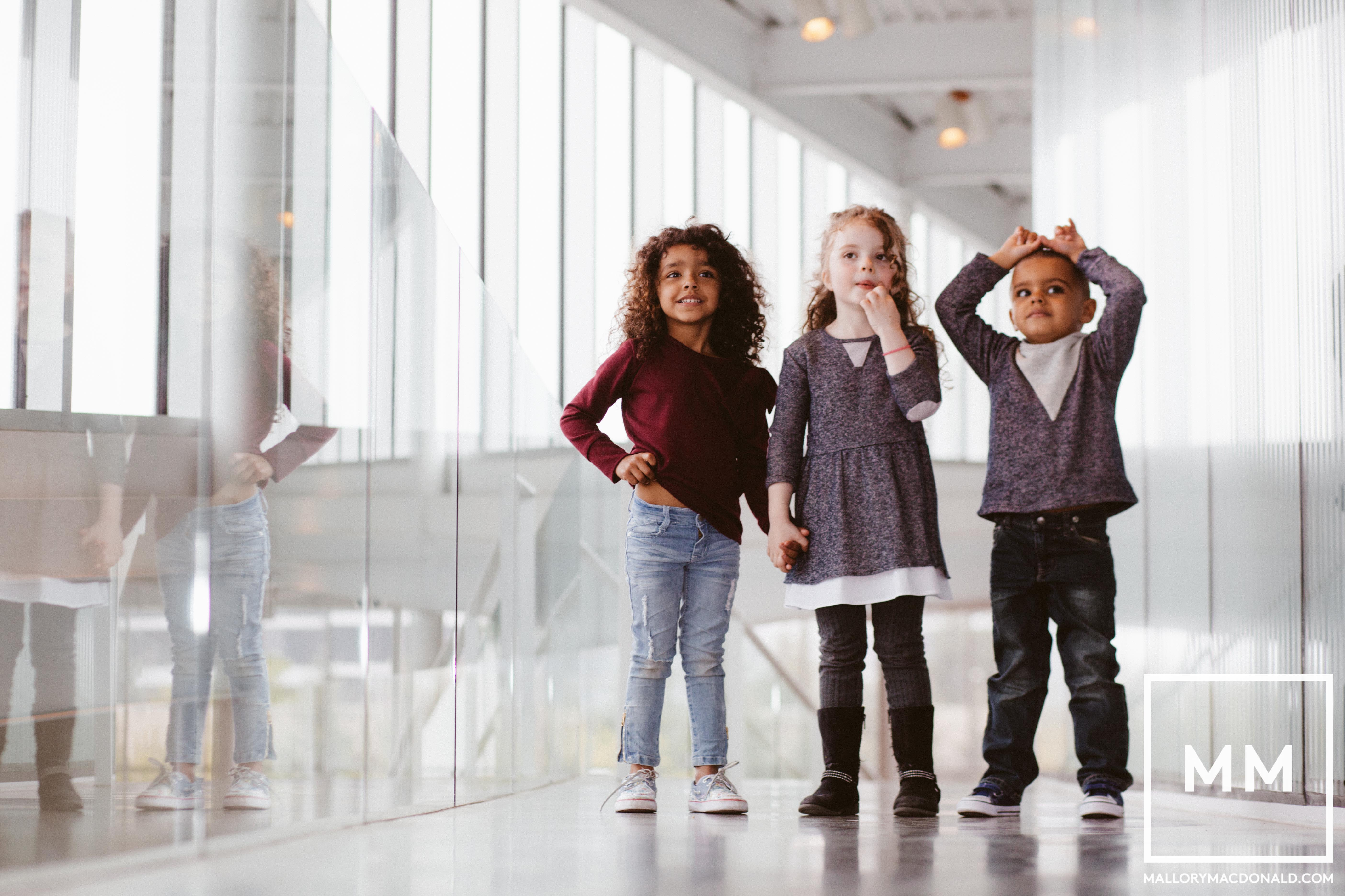 seattle-childrens photographer-mallory macdonald-seattle art museum-sculpture park-sam-2060